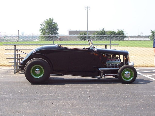 Dave's 33 Roadster (Photo by Vince Baker)
